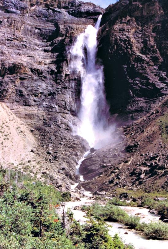 Takakawa Falls. Yoho National Park