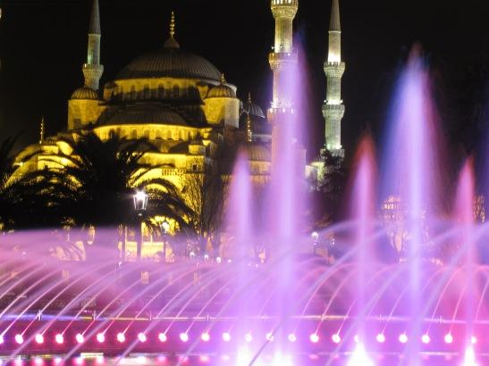 La Mesquita Blava de nit. Istanbul. Turquia