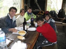 Dinant al refugi del Lago Fagnano. Tierra del Fuego