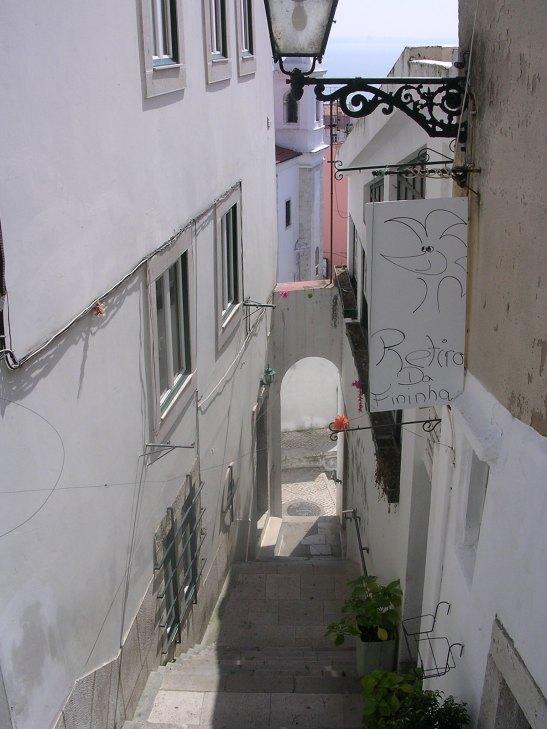 Carrer del barri de l'Alfama a Lisboa