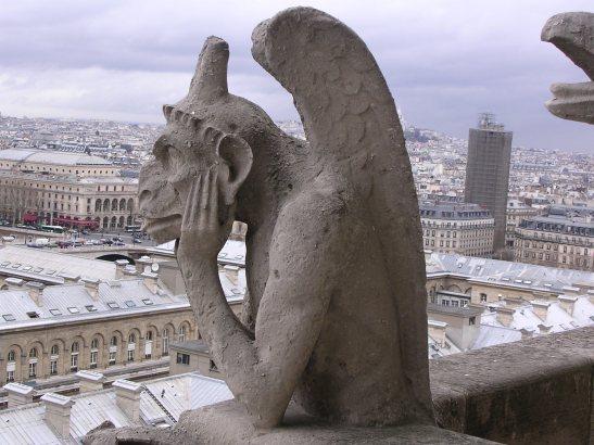 Una de les gàrgoles de la catedral de Notredame a Paris