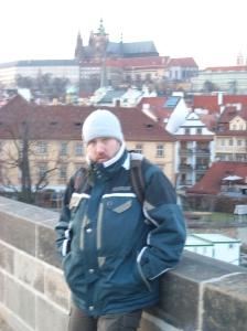 En el pont de Carles IV amb el barri de Mala Strana al fons