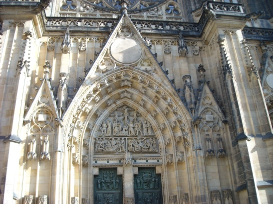 Entrada principal de la catedral de San Vitus