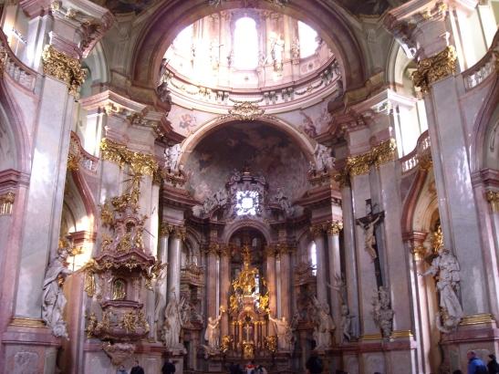 Interior de l'esglesia de Sant Nicolau a Mala Strana