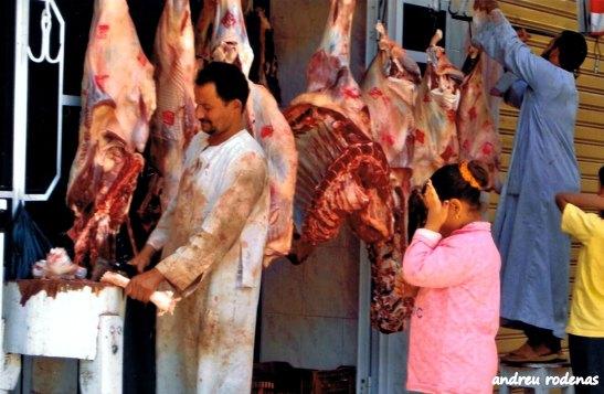 Carnisseria al mercat d'Assuan. Egipte
