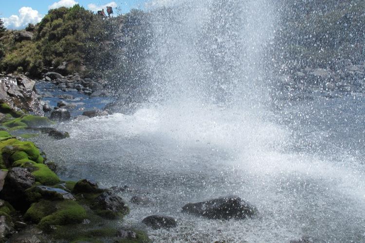 Des del darrera de les Taranaki Falls. Tongariro National Park. Nova Zelanda