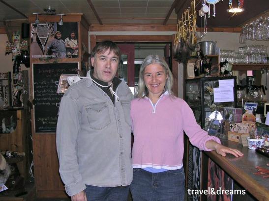 Amb la propietaria de l'hotel Alberg du Trappeur al Parc Nacional de La Mauricie a Quebec / With the Auberge du Trappeur hotel owner in La Mauricie National Park in Quebec
