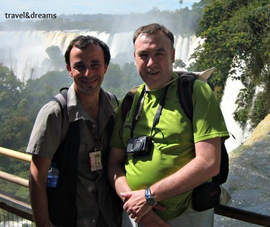 Andreu amb l'Alejandro el nostre guia particular a Cataratas de Iguazú / Andreu with Alejandro our personal guide in Cataratas de Iguazú