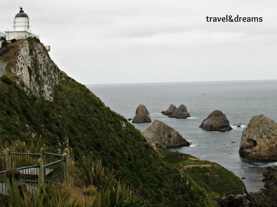 EL FARO DE NUGGET POINT