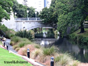 AVON RIVER. CHRISTCHURCH